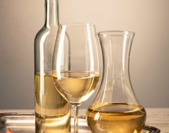 How to decant wine - wine aerator tips