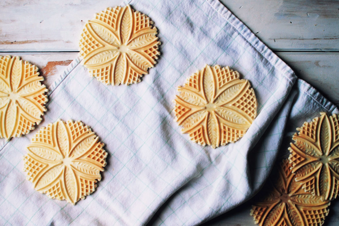 The best pizzelle maker for home use